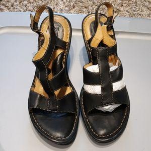 Born sandals. Size:9